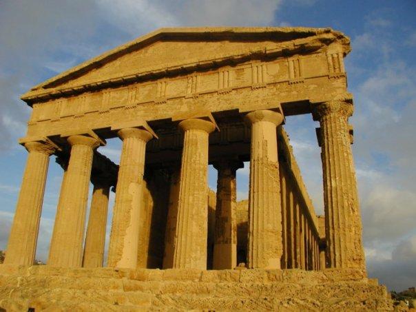 Fatti di parigi il tempio della concordia questa sera for Tempio di santiago