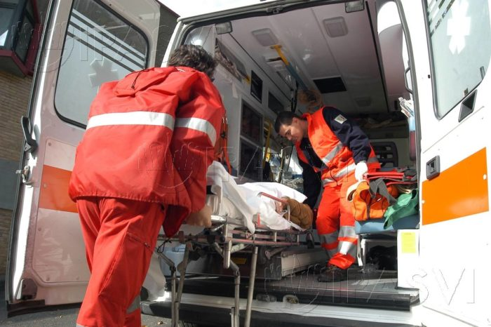 Incidente lungo la SS 115: due feriti