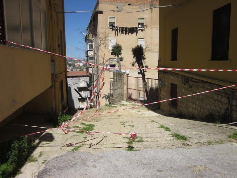 Centro storico: stabili pericolanti, sgomberate due famiglie