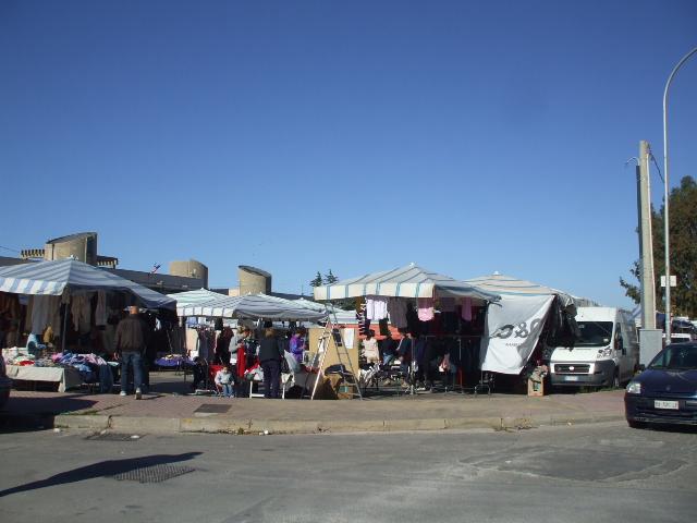 Ritorna il mercato del venerdì in piazza Ugo La Malfa