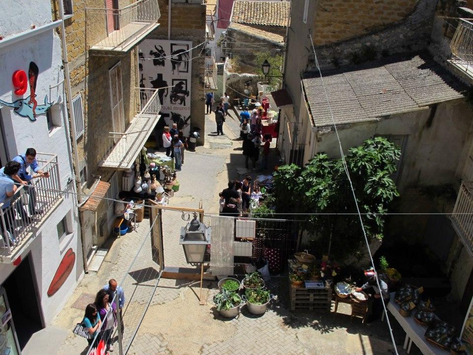 The second life a favara mostra mercato del vintage e for Favara farm cultural park