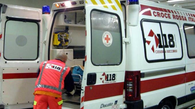 Incidente domestico stava per trasformarsi in tragedia, ustionata donna di 68 anni