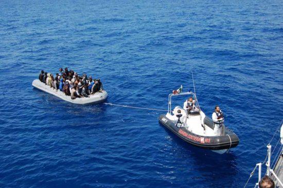 Diretti a Lampedusa i migranti soccorsi da un peschereccio di Sciacca