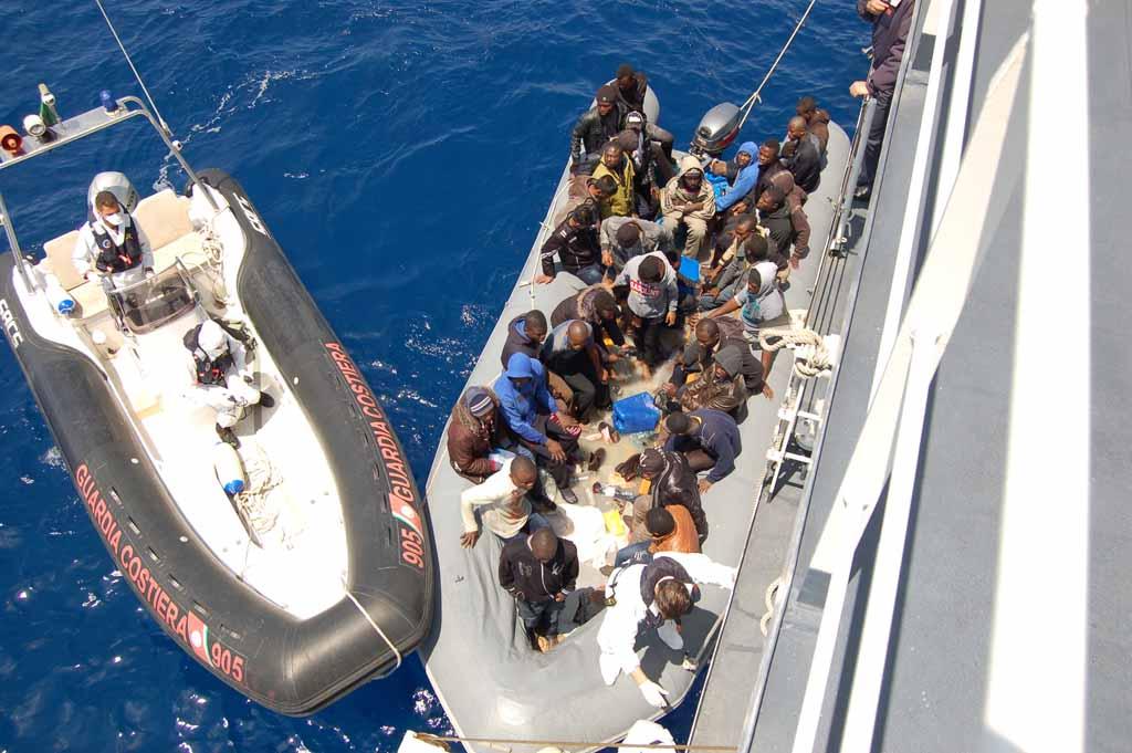 Navi con 450 migranti in acque italiane, Porto Empedocle non interessata dallo sbarco