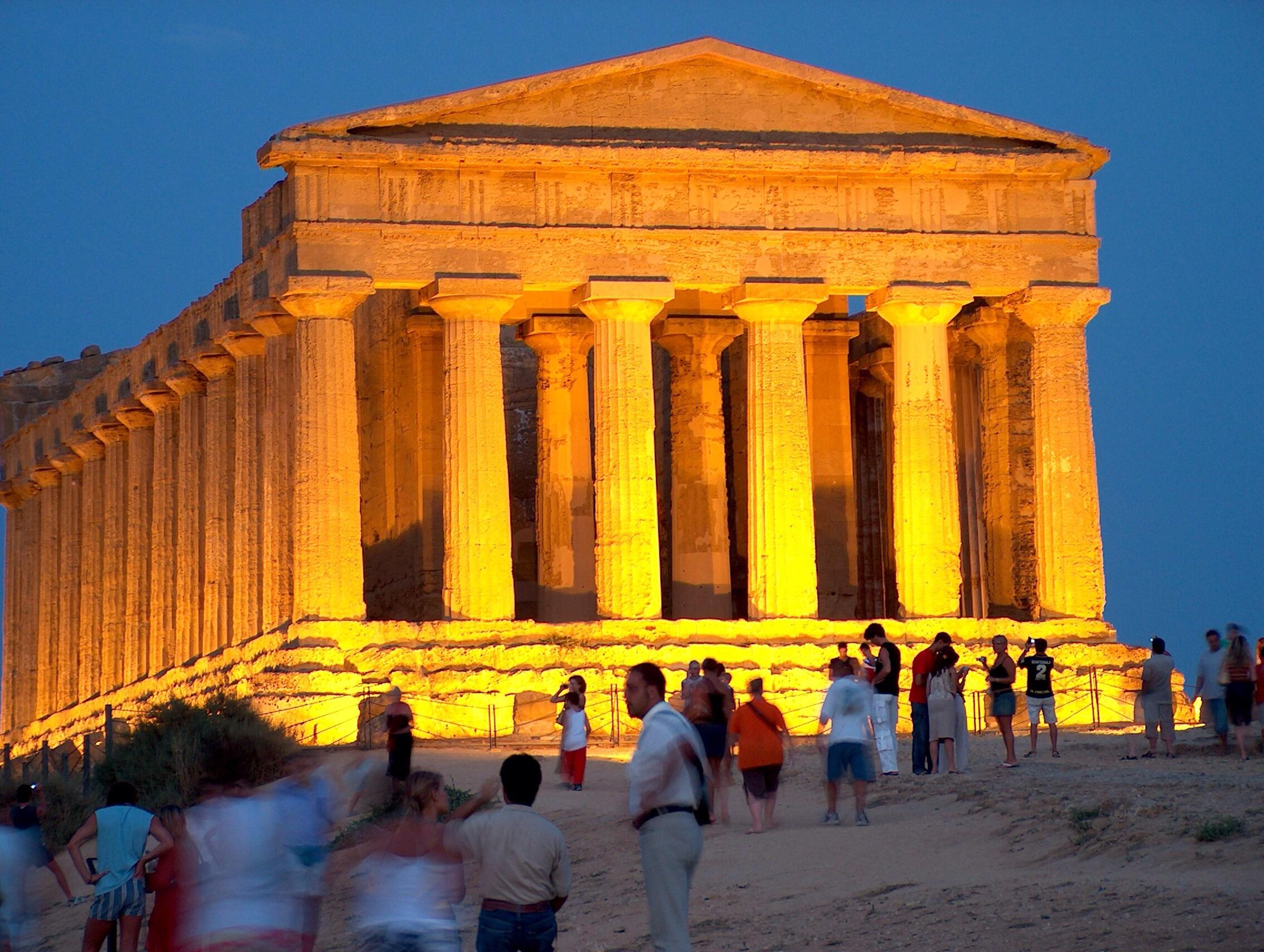 Valle dei Templi: prolungati gli orari per la visita notturna