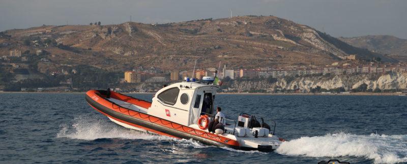 Mare troppo mosso da giorni, serve la motovedetta della Guardia Costiera per portare i farmaci a Linosa