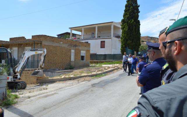 Demolizioni case abusive: aggiudicata la gara per i lavori a Licata