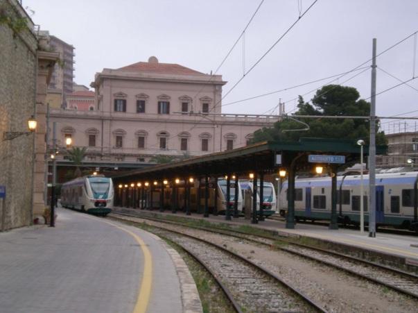 Danneggiamenti alla stazione centrale di Agrigento, indagano gli inquirenti