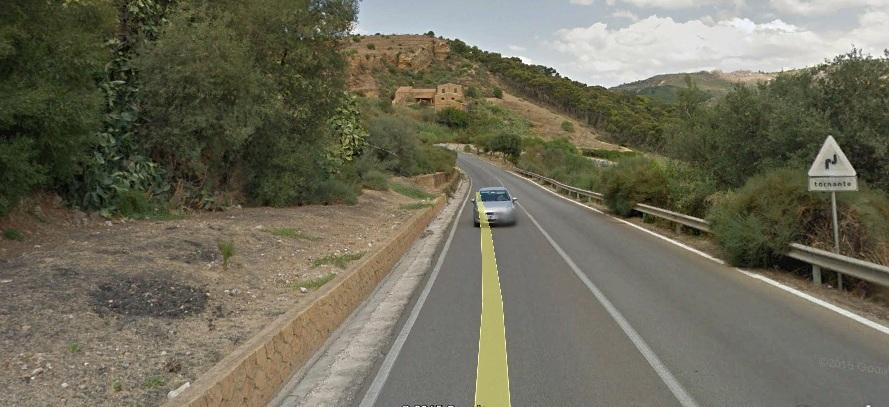 Via Panoramica, si stacca masso: strada chiusa al transito