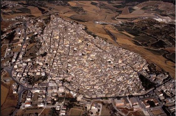 IL CASO: le telecamere dell'americana CNN a Sambuca di Sicilia