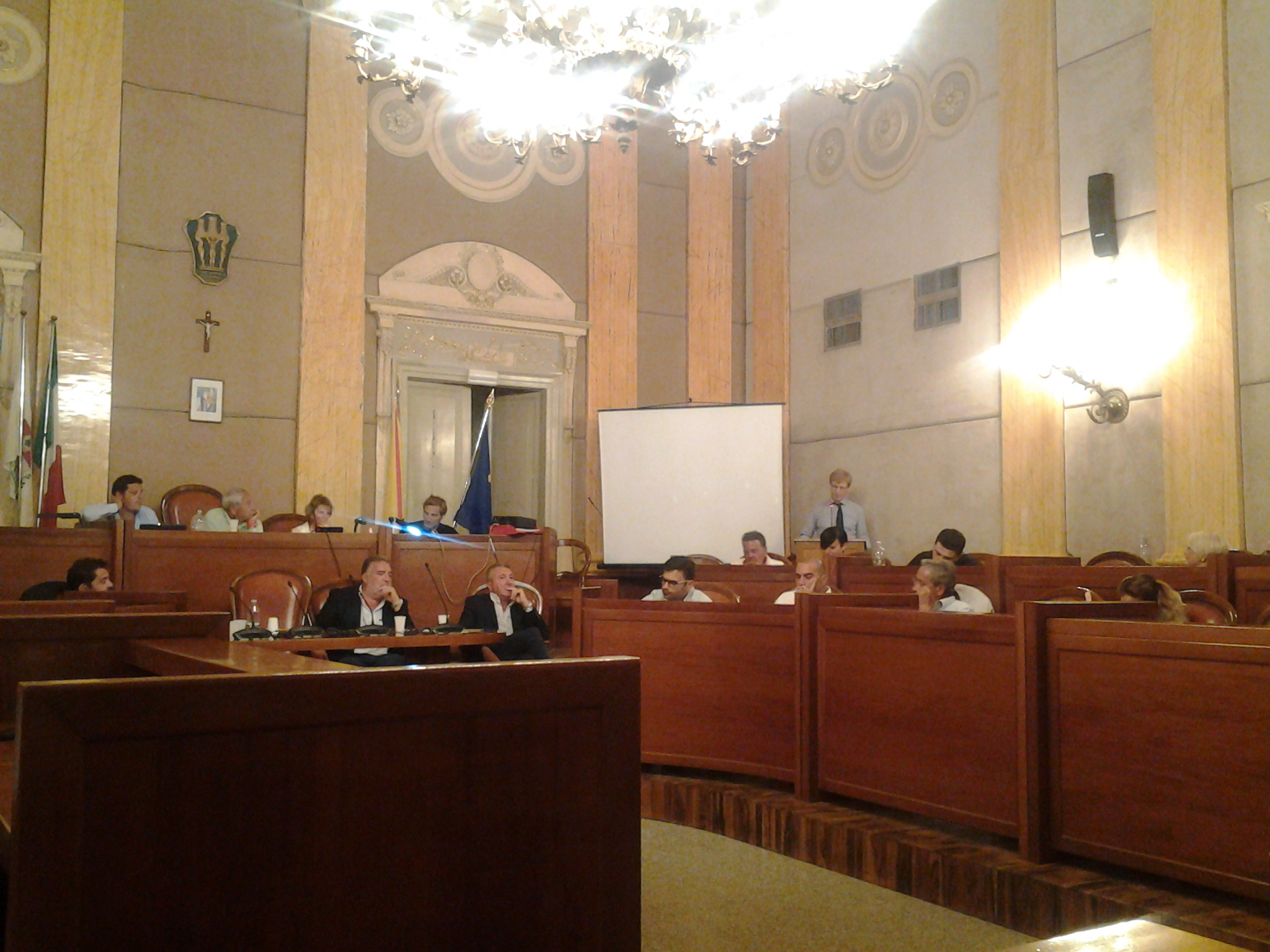 Consiglio comunale nota di palermo e iacolino si azzeri for Ufficio presidenza