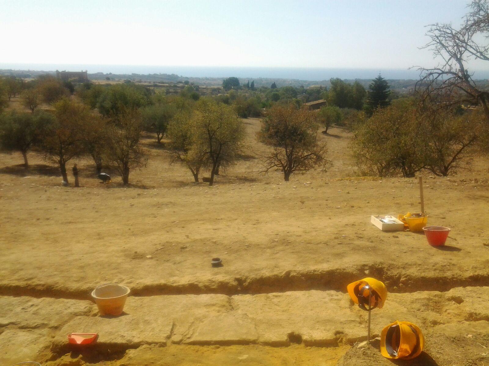 Valle dei Templi: riprendono gli scavi presso l'area del teatro antico