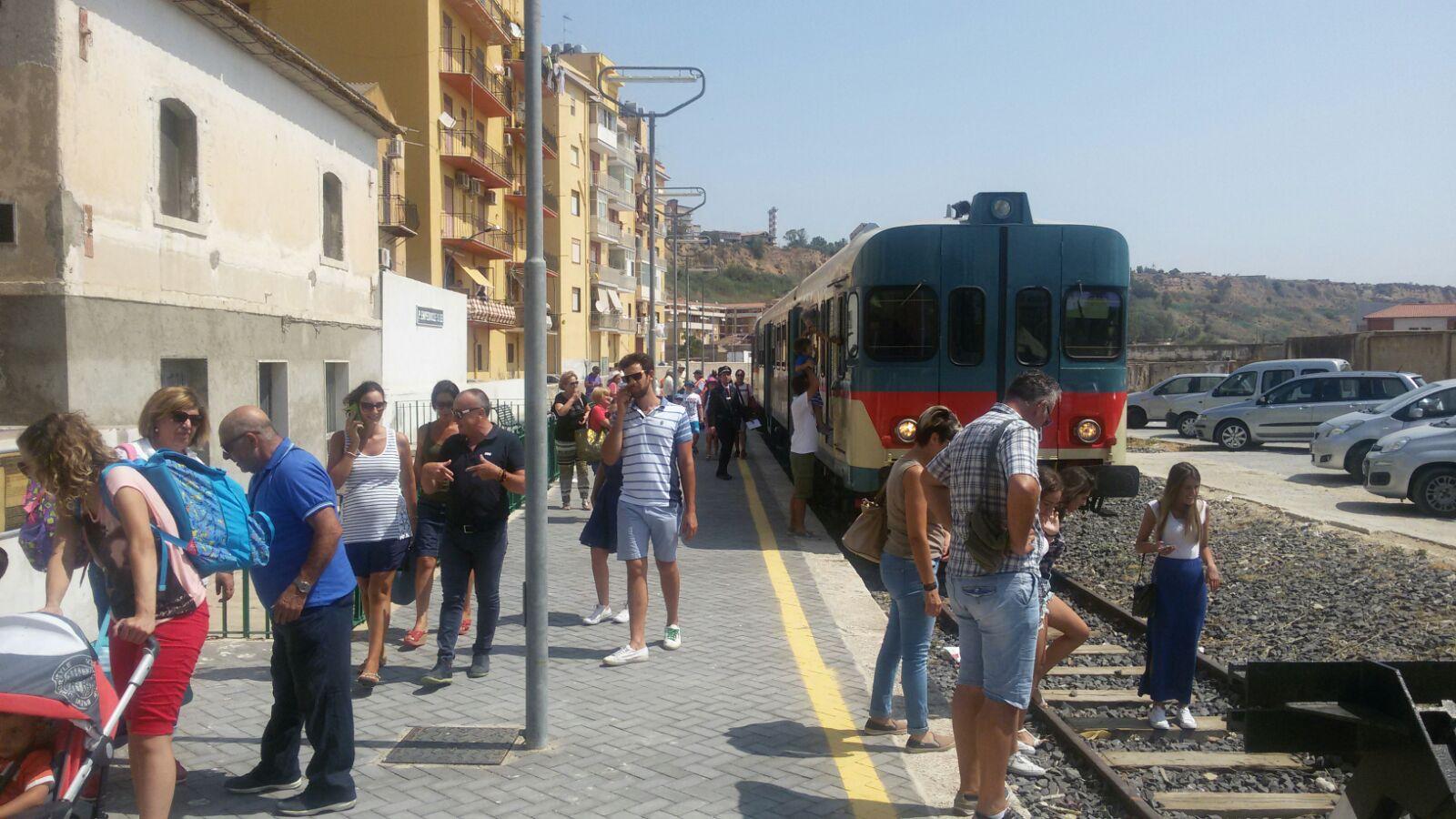 Domenica 11 marzo nuovo appuntamento con i 'treni del Mandorlo'