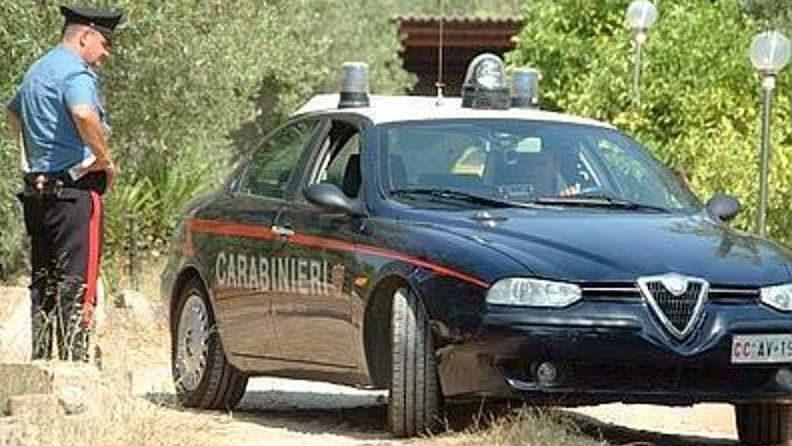 Ha provocato danni per migliaia di Euro dopo aver incendiato auto: in manette un quarantenne
