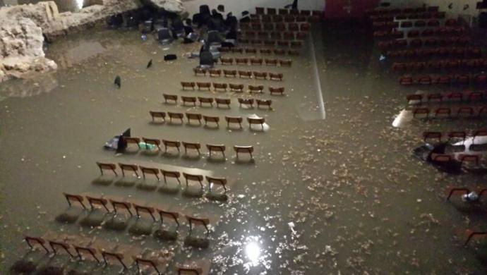 Siracusa flagellata dal maltempo: crolli ed allagamenti anche ad Ortigia