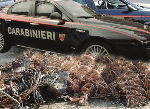 Ennesimo furto di 'oro rosso': banda di ladri di rame sperona auto dei Carabinieri