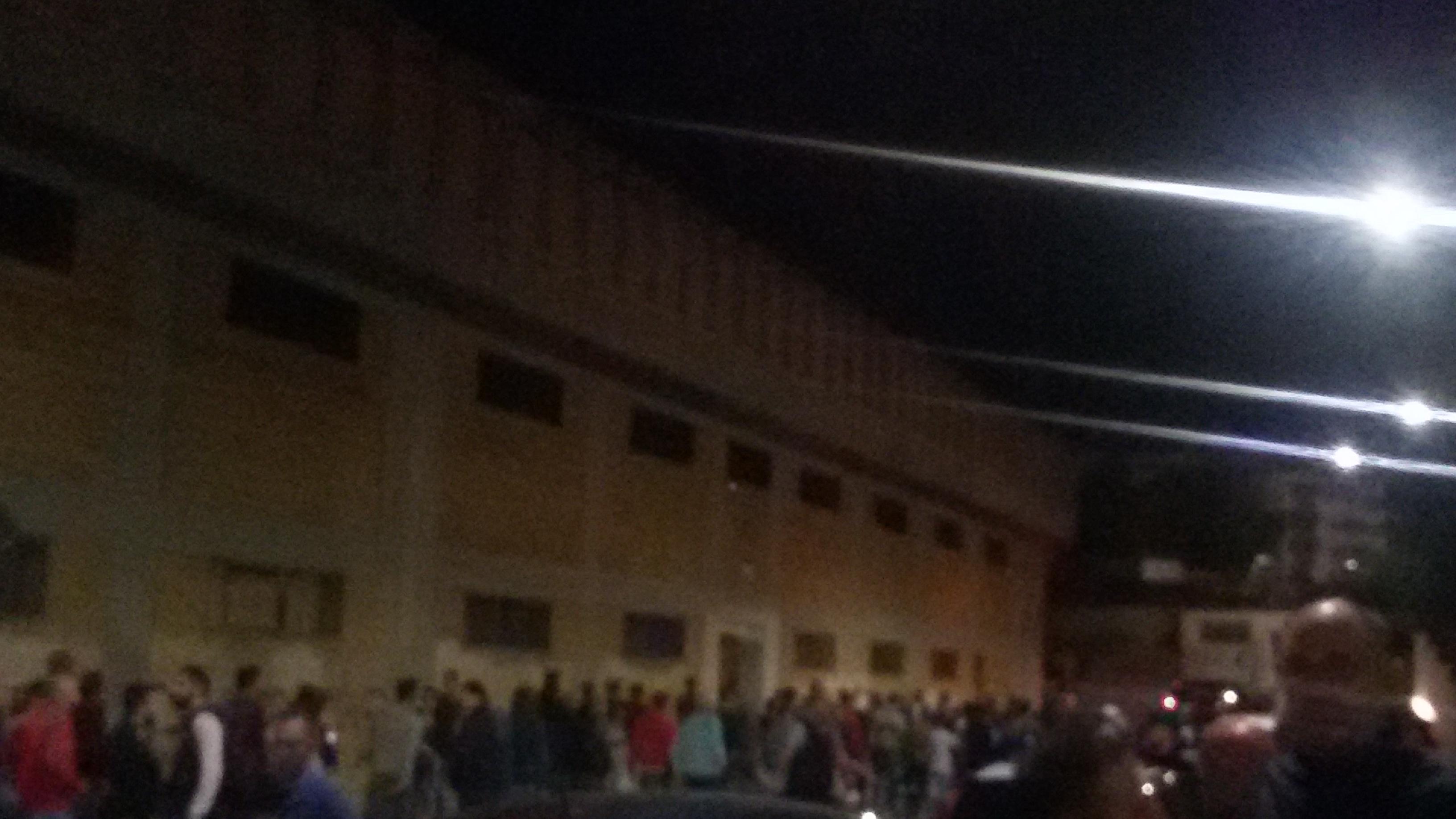 I tifosi 'accendono' l'Esseneto: ecco la protesta per chiedere l'impianto di illuminazione
