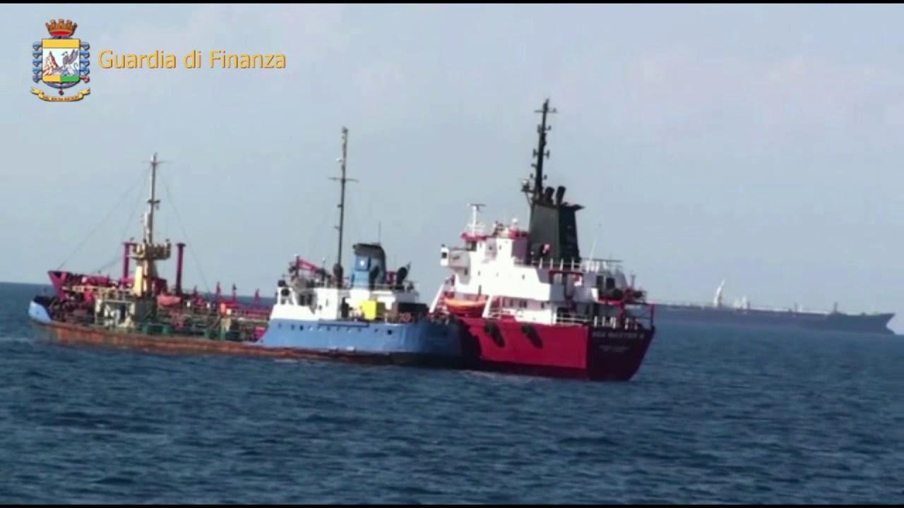 Traffico di gasolio trafugato dalla Libia: arrestato a Lampedusa ex calciatore maltese