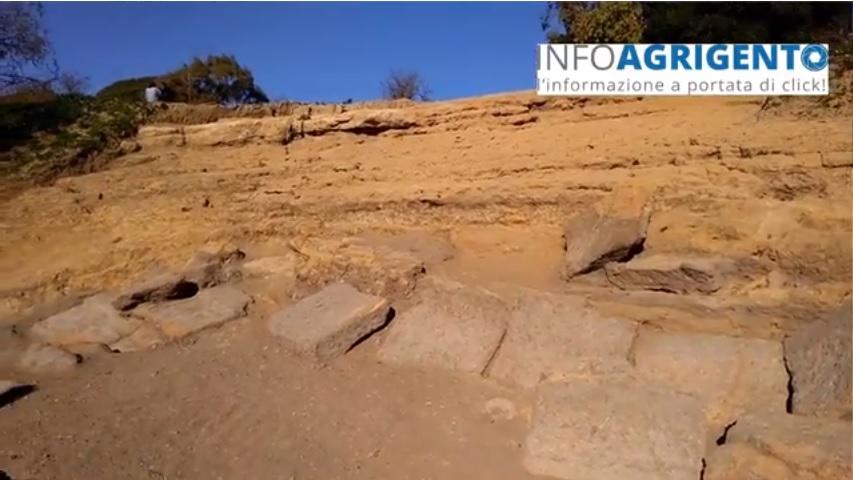 Valle dei Templi: affiorano i primi gradini del teatro