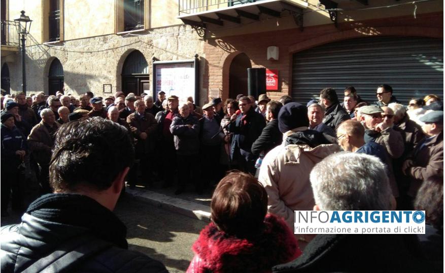"""Raffadali, cittadini in piazza contro Girgenti Acque: """"No demagogia, ma risposte"""""""