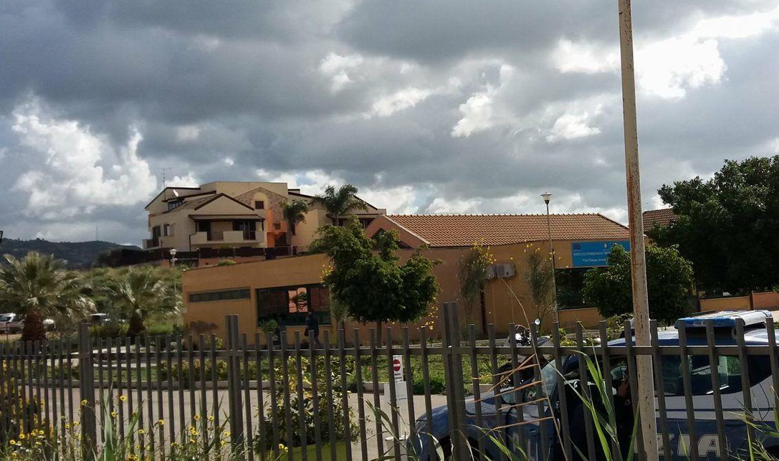 Ripristinate le condizioni igienico-sanitarie della scuola Rita Levi Montalcini dopo il raid vandalico