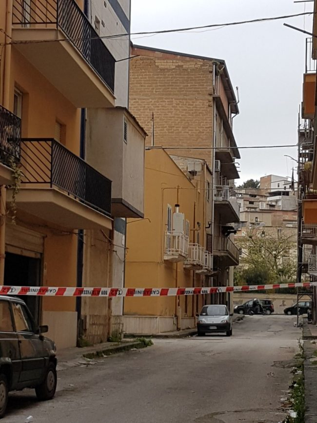 Omicidio Ferraro: ritrovata bruciata l'auto notata nel luogo dell'agguato