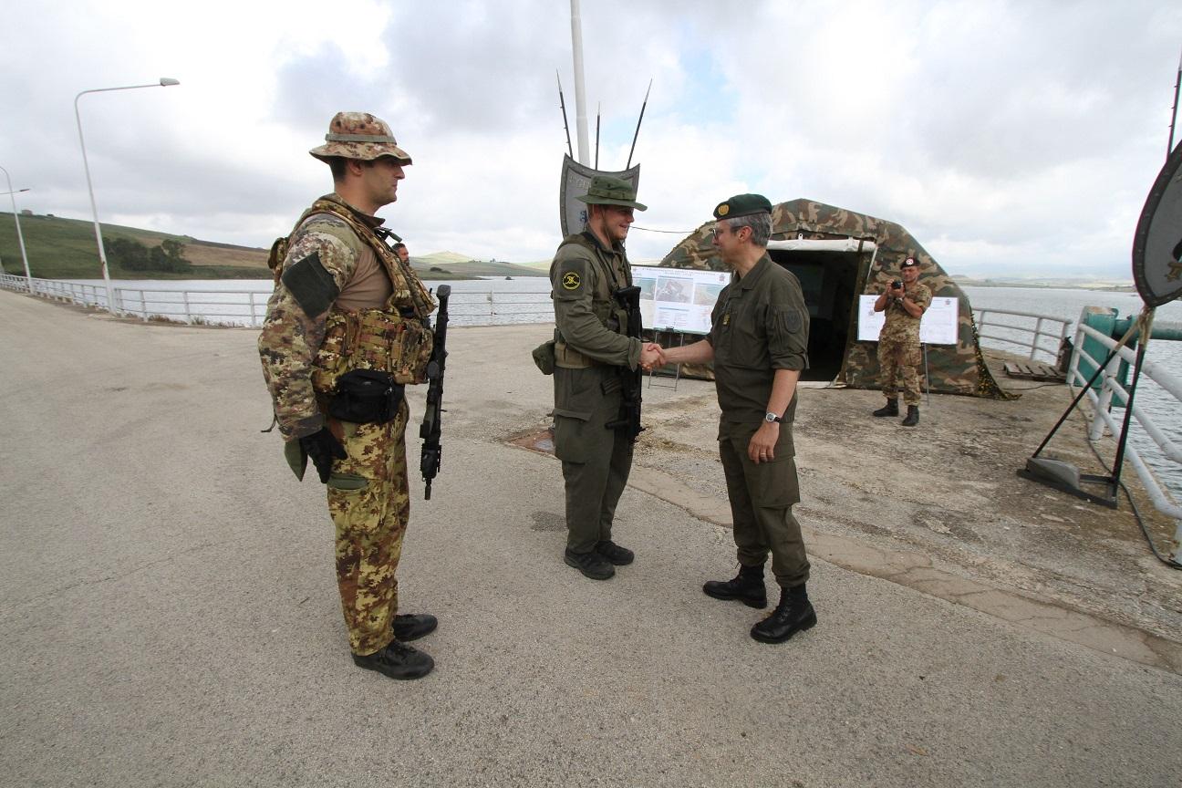 Scambio militare tra Italia ed Austria e Trapani