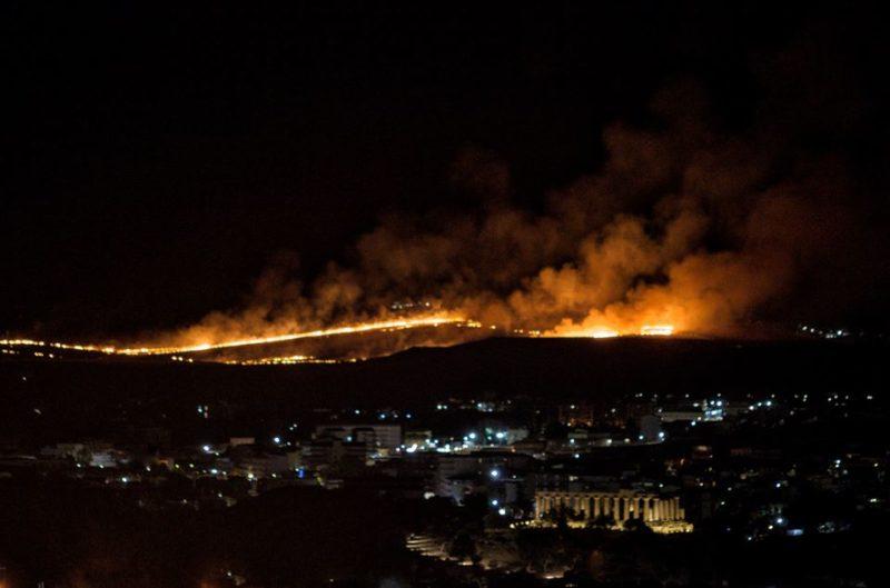 Nuovo vasto incendio alle porte di Agrigento