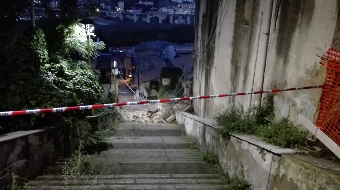Via Imera: crolla un vecchio magazzino, sette famiglie evacuate