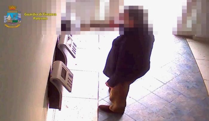 Assenteisti all'assessorato della Sanità, scattano gli arresti: 11 dipendenti ai domiciliari