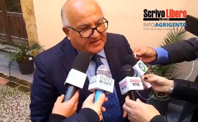 """Tra """"guerra"""" agli incivili e polemiche: la conferenza stampa di Firetto ed Hamel al Filippini"""