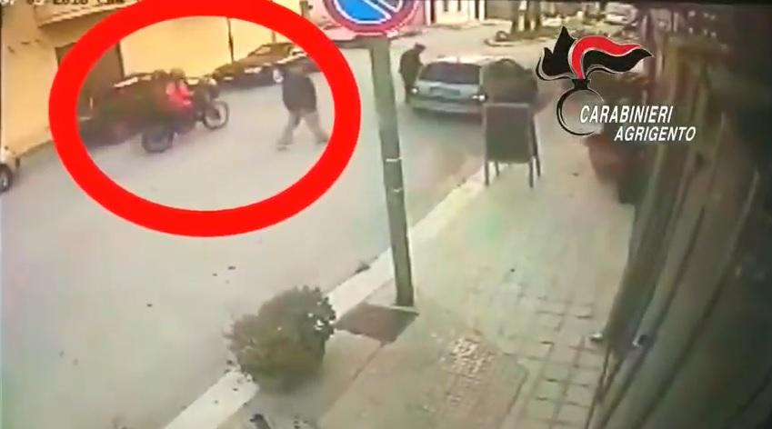 Tradito dalla tuta di motocross: arrestato ventunenne autore di una rapina a mano armata
