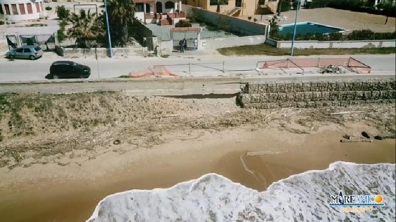 """Cannatello, l'allarme di MareAmico: """"L'erosione sta cancellando l'unica strada"""""""