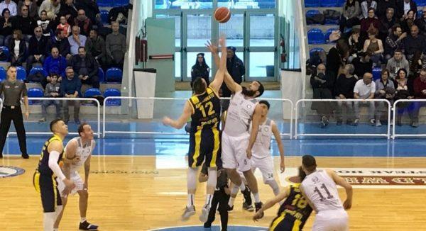 """Basket: grande vittoria della Fortitudo nella """"battaglia"""" contro Scafati"""