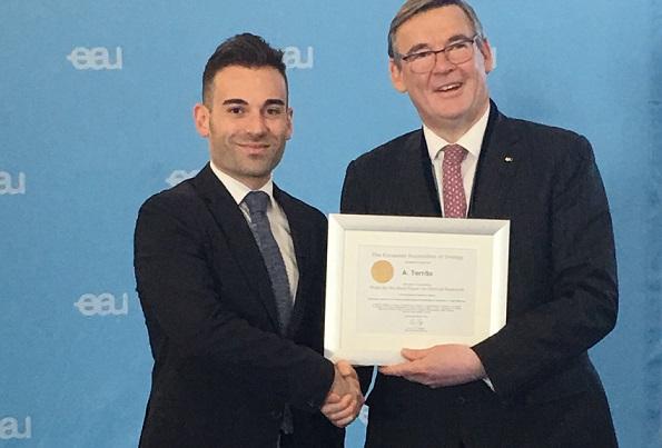 """Al licatese Angelo Territo il premio """"Best Paper On Clinical Research"""""""