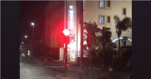 """Tra ironia e proteste, scoppia il """"caso"""" del semaforo di via Crispi"""