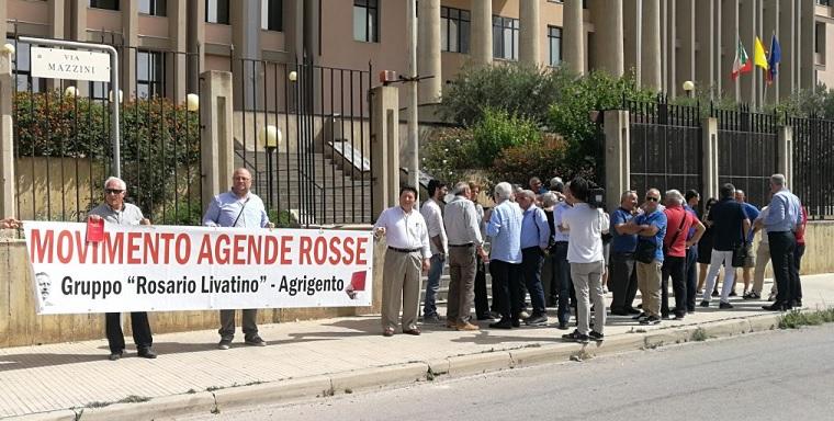 Sit – in di solidarietà al procuratore Patronaggio davanti il tribunale
