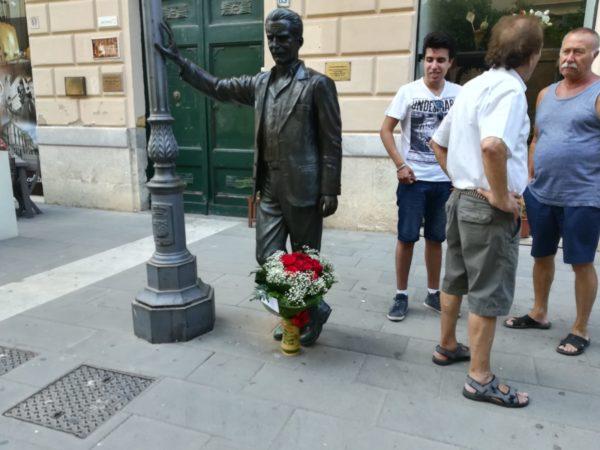 Morte Camilleri: è lutto cittadino a Porto Empedocle