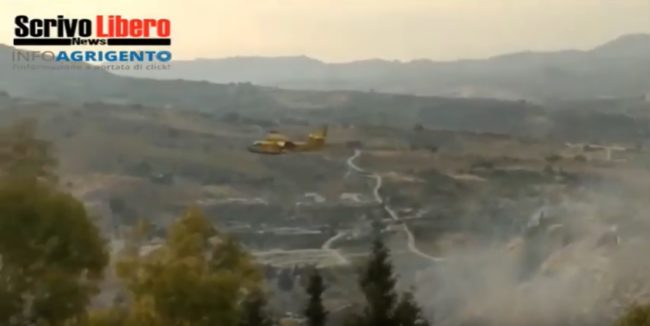 Un giovedì di fuoco ad Agrigento, canadair costretti ad intervenire