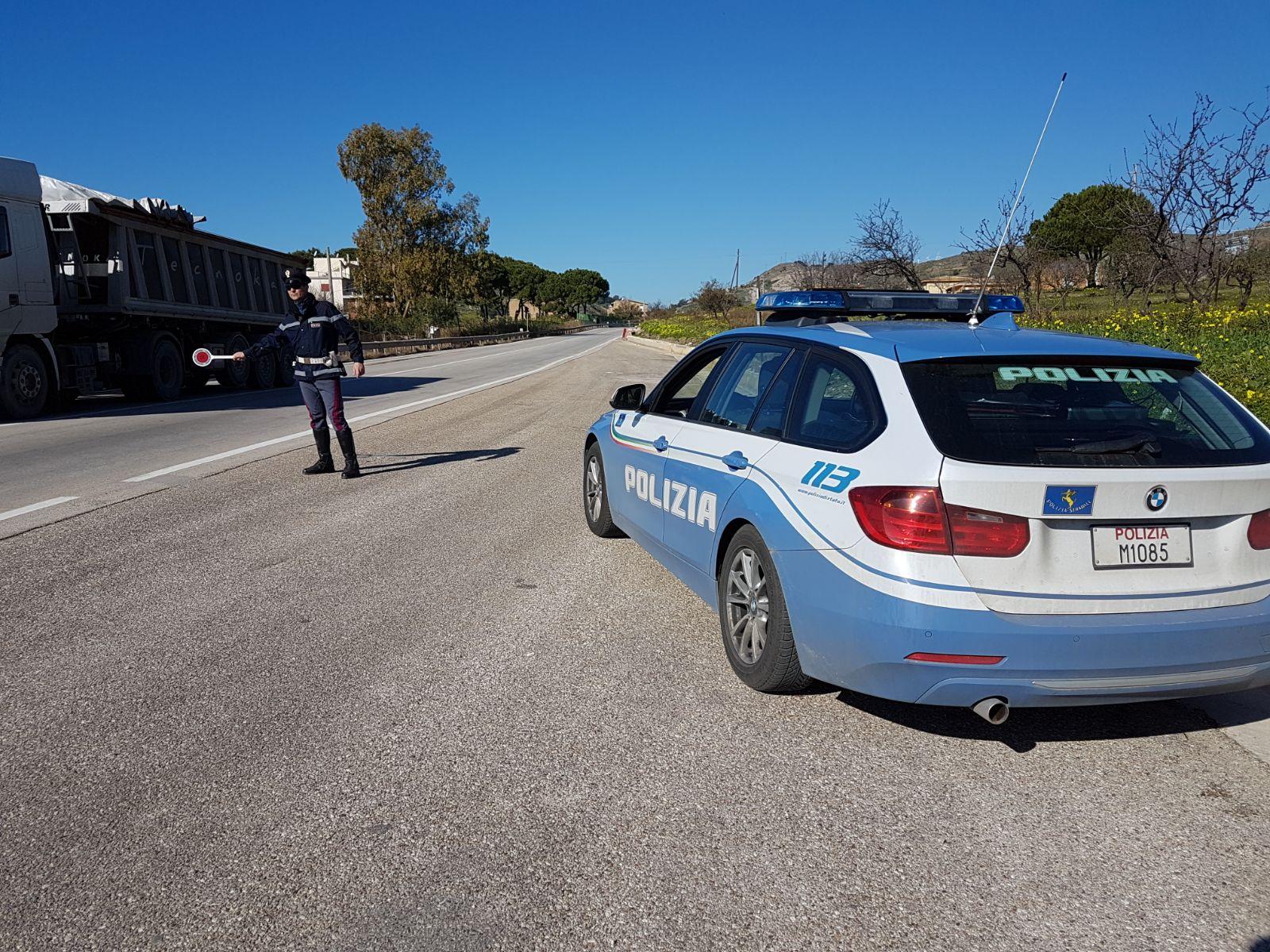 Controlli della polizia nell'agrigentino, elevate centinaia di multe