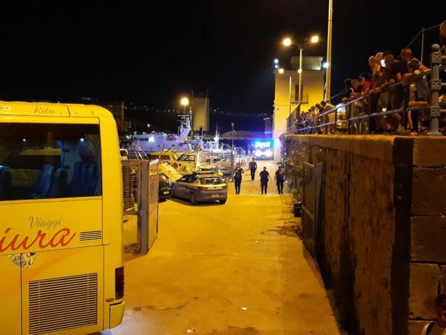 Nuovo barchino con migranti a bordo intercettato a Sciacca