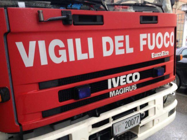 Incendio a Favara, evacuate tre famiglie