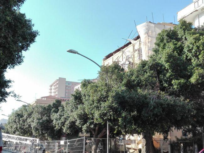 Crollo piazza Cavour, rimosse le transenne lungo il viale della Vittoria