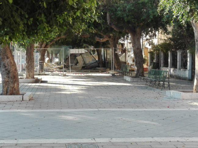 Nuovo crollo in piazza Cavour, nessun ferito ma danni ingenti: chiusa parte del Viale