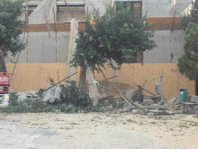"""Crollo piazza Cavour, parlano i proprietari dello stabile: """"Pronti alla messa in sicurezza"""""""
