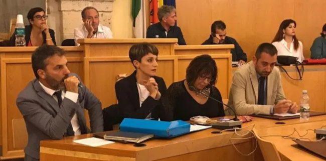 Favara: Anna Alba resta sindaco, non passa mozione di sfiducia