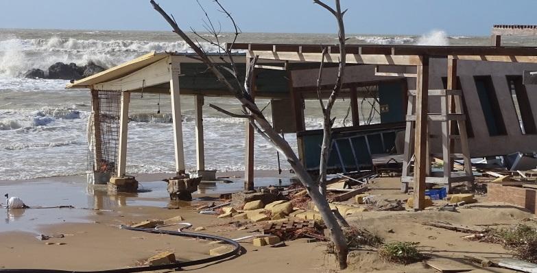 Il maltempo presenta un conto salato anche ad Agrigento, danni a San Leone
