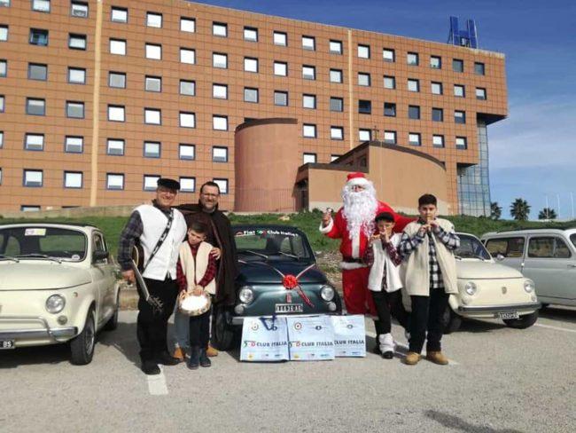 """""""Babbo Natale in 500"""" in visita all'ospedale di Agrigento"""