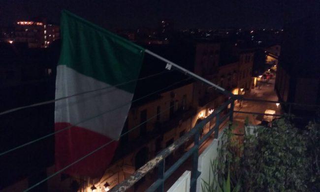 Coronavirus: flash mob e arcobaleni, l'Italia non si arrende