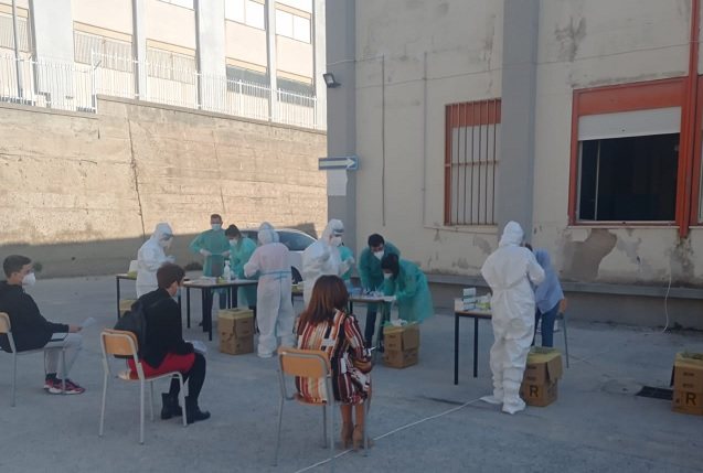 Solo 6 positivi tra i 1.200 tamponi effettuati alla popolazione studentesca di Agrigento